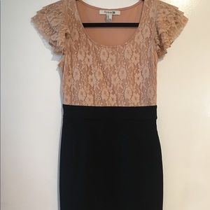 Forever 21 black and peach lace dress size M